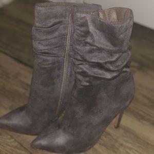 Shoes - Gray suede booties